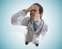 Η ενοχή τόνισε και απογοήτευσε το γιατρό κορυφαία όψη Στοκ Εικόνες