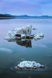 η εξαιρετική λίμνη Καλιφόρνιας του 2008 μονο τοποθετεί τη δύση Στοκ εικόνες με δικαίωμα ελεύθερης χρήσης