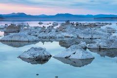 η εξαιρετική λίμνη Καλιφόρνιας του 2008 μονο τοποθετεί τη δύση Στοκ φωτογραφίες με δικαίωμα ελεύθερης χρήσης