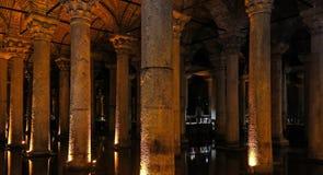 Η δεξαμενή βασιλικών - υπόγειο υδραγωγείο Ιστανμπούλ, TU Στοκ Φωτογραφία