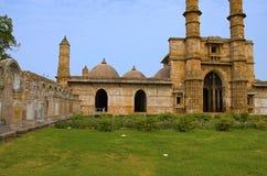 Η εξωτερική άποψη του μουσουλμανικού τεμένους Jami Masjid, ΟΥΝΕΣΚΟ προστάτευσε Champaner - το αρχαιολογικό πάρκο Pavagadh, Gujara Στοκ φωτογραφίες με δικαίωμα ελεύθερης χρήσης