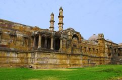 Η εξωτερική άποψη του μουσουλμανικού τεμένους Jami Masjid, ΟΥΝΕΣΚΟ προστάτευσε Champaner - το αρχαιολογικό πάρκο Pavagadh, Gujara Στοκ Φωτογραφία