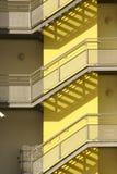 Η εξωτερική σκάλα πετά τη σκιά Στοκ Φωτογραφία