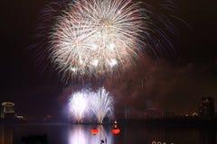 Η επίδειξη πυροτεχνημάτων Στοκ Φωτογραφίες