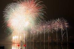 Η επίδειξη πυροτεχνημάτων Στοκ φωτογραφίες με δικαίωμα ελεύθερης χρήσης