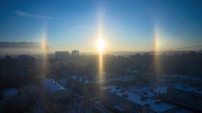 Η επίδραση φωτοστεφάνου σε μια παγωμένη ημέρα στη Μόσχα Στοκ Φωτογραφία