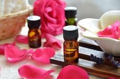 Η επεξεργασία Aromatherapy με αυξήθηκε Στοκ εικόνα με δικαίωμα ελεύθερης χρήσης