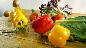 Η επιλογή περιλαμβάνει τα καρότα, πατάτες, αγγούρι, ντομάτα, λάχανο, μαρούλι, τεύτλα, κρεμμύδια, σκόρδο, ραδίκι, άνηθος και φιλμ μικρού μήκους