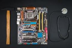 Η επισκευή ή συντρίβει τον υπολογιστή Στοκ Φωτογραφίες