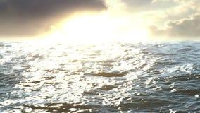 Η επιφάνεια της θάλασσας στο ηλιοβασίλεμα απόθεμα βίντεο
