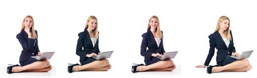 Η επιχειρηματίας με το lap-top Στοκ φωτογραφία με δικαίωμα ελεύθερης χρήσης