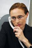 η επιχειρησιακή κλήση κάνει τη γυναίκα Στοκ Εικόνες