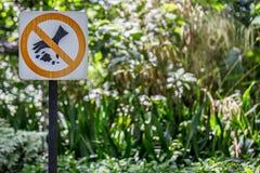 Η ετικέτα απαγορεύει τη ρύπανση στοκ εικόνα με δικαίωμα ελεύθερης χρήσης