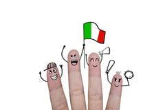 Η ευθυμία έννοιας δάχτυλων επάνω στο ποδόσφαιρο ομάδων με κρατά ψηλά τη σημαία Ιταλία Στοκ Φωτογραφίες