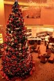 Η ευτυχής ατμόσφαιρα φεστιβάλ Χριστουγέννων στοκ φωτογραφία με δικαίωμα ελεύθερης χρήσης