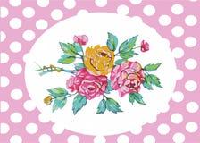 Η ευχετήρια κάρτα με τα λουλούδια αυξήθηκε σε ένα ρόδινο υπόβαθρο με τους άσπρους κύκλους Στοκ φωτογραφία με δικαίωμα ελεύθερης χρήσης