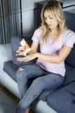 η 'Εφαρμογή' creme δίνει τις νε&omicro Στοκ Εικόνα