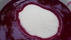Η ζάχαρη πνίγει στη μαρμελάδα φιλμ μικρού μήκους