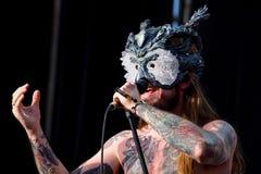 Η ζώνη μουσικής βαρύ μετάλλου Kvelertak αποδίδει στη συναυλία Download στο φεστιβάλ μουσικής βαρύ μετάλλου στοκ εικόνες