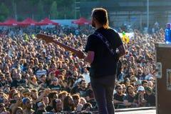 Η ζώνη μουσικής ροκ Opeth αποδίδει στη συναυλία Download στο φεστιβάλ μουσικής βαρύ μετάλλου Στοκ Φωτογραφίες