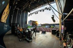 Η ζώνη μουσικής Amore Touche αποδίδει στη συναυλία Download στο φεστιβάλ μουσικής βαρύ μετάλλου στοκ εικόνα
