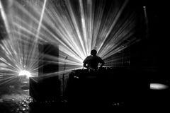 Η ζώνη χιονοστιβάδων εκτελεί μια καθορισμένη συναυλία του DJ στον ήχο το 2016 Primavera Στοκ Εικόνα