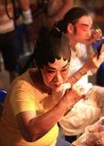 Η ηθοποιός προετοιμάζεται για την κινεζική όπερα Στοκ εικόνες με δικαίωμα ελεύθερης χρήσης