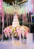 Η ημέρα γάμου, γάμος κέικ, στη νύχτα του γαμήλιου κέικ FA Στοκ εικόνα με δικαίωμα ελεύθερης χρήσης