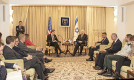 Η Ηνωμένη του Κογκρέσου αντιπροσωπεία συναντώ με τον Πρόεδρο του Ισραήλ στοκ εικόνες με δικαίωμα ελεύθερης χρήσης