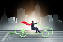 Η ηλεκτρική έννοια αυτοκινήτων στην πράσινη έννοια περιβάλλοντος Στοκ Εικόνα