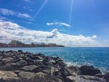 Η ηλιακή ακτή του Ατλαντικού Ωκεανού Tenerife Στοκ Εικόνες