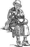 Η ηλικιωμένη γυναίκα τρώει το παγωτό Στοκ φωτογραφία με δικαίωμα ελεύθερης χρήσης
