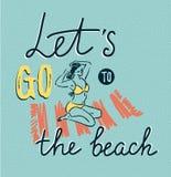 Η ηλιοθεραπεία κοριτσιών σε ένα χαλί παραλιών στη θάλασσα και κτενίζει την τρίχα - έννοια θερινών διακοπών επίσης corel σύρετε το διανυσματική απεικόνιση