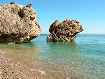 η θάλασσα βράχων της Κριμαίας gurzuf κολυμπά για να δοκιμάσει δύο Στοκ φωτογραφία με δικαίωμα ελεύθερης χρήσης