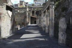 Η θαμμένη ρωμαϊκή πόλη Herculaneum κοντά στη Νάπολη στη νότια Ιταλία στοκ εικόνες με δικαίωμα ελεύθερης χρήσης