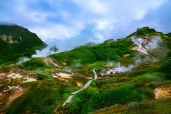 Η θρυλική κοιλάδα Geysers το καλοκαίρι Kamchatka, Ρωσία Στοκ φωτογραφία με δικαίωμα ελεύθερης χρήσης