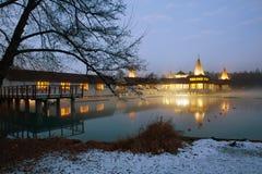 Η διάσημη λίμνη Heviz τη νύχτα στο χειμώνα στοκ εικόνα