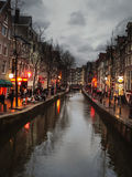 Η διάσημη περιοχή κόκκινου φωτός οδών στο Άμστερνταμ. Κάτω Χώρες Στοκ Φωτογραφίες