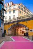 Η διάσημη ρόδινη οδός στη Λισσαβώνα, Πορτογαλία Στοκ Εικόνες