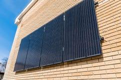 Ηλιακά πλαίσια στον τοίχο Στοκ Εικόνα