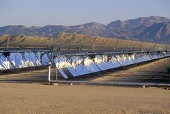 Ηλιακές δύο επιτροπές στη νότια Καλιφόρνια Edison Plant σε Barstow, ασβέστιο Στοκ Φωτογραφίες