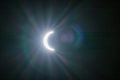 Ηλιακή έκλειψη με τα υπόβαθρα ελαφριών αποτελεσμάτων Στοκ φωτογραφία με δικαίωμα ελεύθερης χρήσης