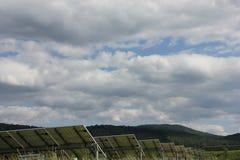 Ηλιακή ενέργεια, ηλιακά πλαίσια, ανανεώσιμες ενέργειες Στοκ φωτογραφία με δικαίωμα ελεύθερης χρήσης