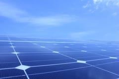 Ηλιακή ενέργεια, ηλιακά πλαίσια, ανανεώσιμες ενέργειες Στοκ φωτογραφίες με δικαίωμα ελεύθερης χρήσης