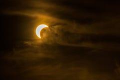 Ηλιακή τελευταία φάση έκλειψης που παρατηρείται στο νότο της Ταϊλάνδης Στοκ φωτογραφία με δικαίωμα ελεύθερης χρήσης