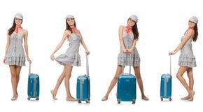 Η διακινούμενη γυναίκα με τη βαλίτσα που απομονώνεται στο λευκό Στοκ φωτογραφία με δικαίωμα ελεύθερης χρήσης