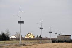 Ηλιακός και αιολική ενέργεια Στοκ φωτογραφίες με δικαίωμα ελεύθερης χρήσης