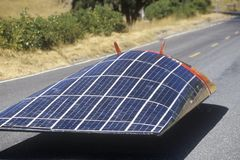 Ηλιακό ηλιακό τροφοδοτημένο αυτοκίνητο κλίσεων, ασβέστιο Στοκ Εικόνες