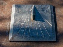 Ηλιακό ρολόι γρανίτη στοκ εικόνες