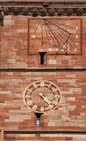 Ηλιακό ρολόι και ρολόι στον καθεδρικό ναό της Βασιλείας, Ελβετία Στοκ φωτογραφίες με δικαίωμα ελεύθερης χρήσης